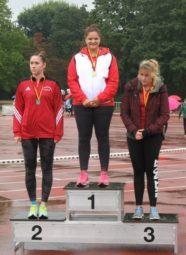 Janina Rohde stand bei der Siegerehrung zweimal auf dem obersten Treppchen. Foto: nh