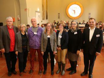 Stephan Kuntz, Dorothea Böcher-Burkart, Frederik Vahle, Michaela Wegener, Prof. Dr. Imke Niediek, Doris Albert und Dr. Martin Sander-Gaiser (v.l.). Foto: nh