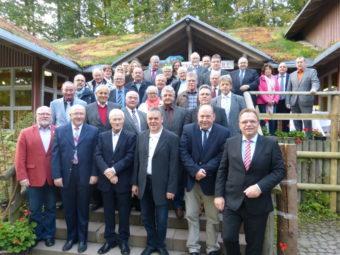 30 ehemalige Mandatsträger der politischen Gremien des Schwalm-Eder-Kreises verabschiedet. Foto: nh