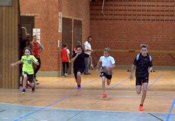 Kilian Krah siegte nicht nur im 50m-Lauf; der 11-Jährige setzte sich auch im Dreikampf mit 817 Punkten durch. Foto: nh
