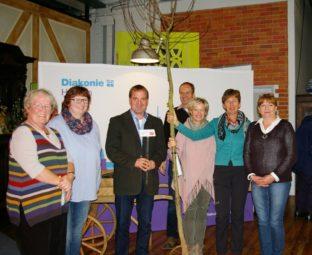 Christel Gerstmann, Anette Steuber, Daniel Helwig, Martin Heil, Petra Scholz, Rosi Haldorn-Walper und Petra Diegler (v.l.). Foto: Isa Mühling