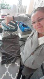 """Mit dem Bügel-Foto kassierte Irina Posev (33) aus Fritzlar bei der HIT RADIO FFH-Aktion """"Hör Dein Selfie"""" 2.000 Euro. Foto: FFH"""
