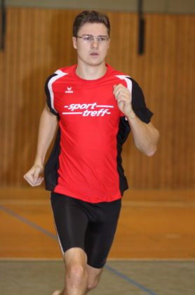 Tobias Stang kann im Dreisprung Rang fünf belegen. Foto: Lothar Schattner
