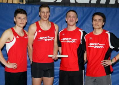 Tobias Barth, Michael Hiob, Mario Nadler und Christian Schulz holten sich den Staffeltitel bei den Männern. Foto: Lothar Schattner