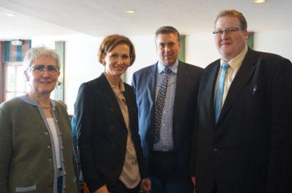 Marion Ripke, Bettina Stark-Watzinger, Nils Weigand und Holger Jütte (v.l.). Foto: nh