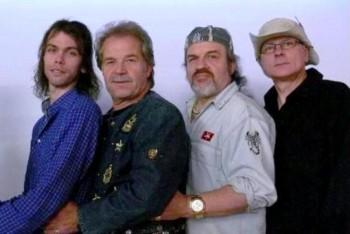 Die Mark Prang Band: Mark Prang (Gesang), Mikey Mike Mikeson (BAss & Gesang), Larry Rosscoe (Schlagzeug) und Helmut Kriegelstein (Gitarre & Gesang) (v.l.). Foto: nh