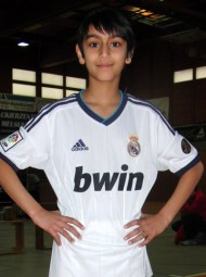 Der zehnjährige Navtej  Dhaliwal (MT Melsungen) war die Entdeckung bei den Kreis-Hallenmeisterschaften der U12. Mit 8,15 Sekunden über 50 Meter erzielte er die beste Leistung. Foto: Alwin J. Wagner