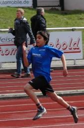Nur um einen Wimpernschlag blieb Sieger Navtej Dhaliwal im 50m-Lauf der U12 mit 8,05 Sekunden über der anvisierten 8,00 Sekunden. Foto: Alwin J. Wagner