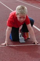 Der kleine David Sonnak überraschte mit drei starken Leistungen und deutete vor allem im Sprint mit 9,28 Sekunden sein großes Talent an. Foto: Alwin J. Wagner