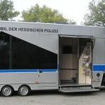 Das Präventionsmobil, die mobile Beratungsstelle der Polizei, geht regelmäßig auf Tour, um die Leute über die Machenschaften Krimineller aufzuklären. Foto: nh
