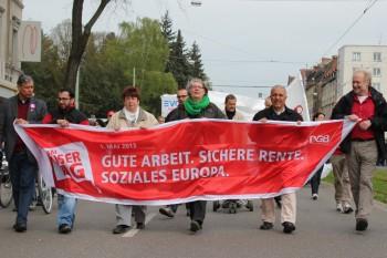 Über 2.000 Menschen fordern in Kassel gute Arbeit, sichere Renten und ein soziales Europa. Foto: nh