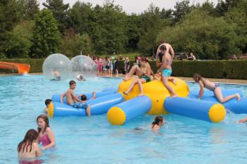 Die Badesaison startet am 20. Mai, im Freibad Ziegenhain wird noch gebaut. Archivbild: nh