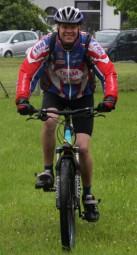 Unterwegs: Alexander Worreschke (30) auf seinem Mountainbike. Foto: me