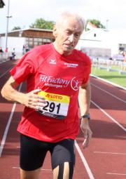 Mit einem kompletten Medaillensatz kehrte Harry Geier, der mehrfache Senioren Welt- und Europameister aus Borken zurück. Foto: Alwin J. Wagner