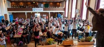 Stimmung im Saal: Insgesamt 250 Tänzer aus ganz Hessen kamen zu dem Fest nach Treysa. Fotos: Hephata Diakonie / Peter Lauritis