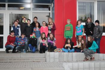 Die Klasse G7b mit Kunstlehrerin Nina Lehmann. Foto: nh