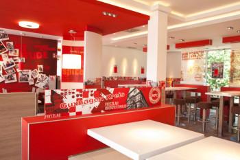 Blick in den Innenraum des neuen KFC Restaurants in Guxhagen. Foto: nh