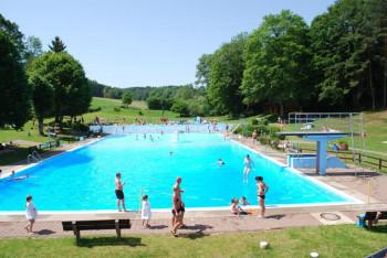 schwimmbad-oberaula140714