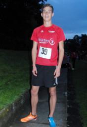 Ein strahlender Tim Hochschorner. Der 16-Jährige blieb im 200m-Lauf zum ersten Mal unter 24 Sekunden. Foto: Alwin J. Wagner