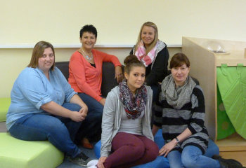 Das Team von der Kita im Familienzentrum: Sabrina Zeidler, Carmen Linsing, Miriam Tölle, Christine Junge und Sandra Reichhold (v.l.). Foto: Stadt Gudensberg