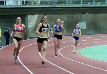 Kurz vor Ende der ersten Runde lag Alexandra Lins aus Düsseldorf noch vor Karolin Siebert, aber am Ende hatte die Jugendliche aus Melsungen über eine Sekunde Vorsprung. Foto: nh
