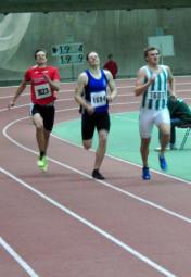 In einem tollen Brust-an-Brust-Kampf sicherte sich Michael Hiob vor dem Favoriten Timo Richterich (ganz rechts) den zweiten Platz. Foto: nh