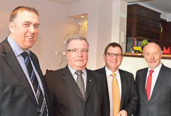 Nils Weigand (Vorsitzender FDP Schwalm-Eder), Manfred Ripke (Vorsitzender FDP Homberg), Dr. Stefan Ruppert (Vorsitzender FDP Hessen) und Staatsminister a.D. Dieter Posch (v.l.). Foto: Reinhold Hocke