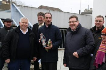 Zusammen mit dem Landratskandidaten der CDU, Mark Weinmeister, besuchte am Freitag der Fraktionsvorsitzende der CDU im Hessischen Landtag, Michael Boddenberg, Schwalmstadt. Foto: nh
