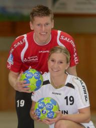 Melsunger Handballpärchen Jeffrey Boomhouwer (Linksaußen MT Melsungen) und Sharelle Maarse (Regisseurin SG 09 Kirchhof). Foto: nh