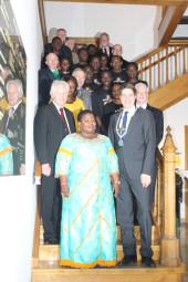 Ministerin Justine Kasule aus Uganda besuchte Bürgermeister Dr. Nico Ritz. Foto: pö