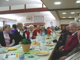 Über 300 Senioren aus Homberg (Efze), Knüllwald, Schwarzenborn, Frielendorf und Oberaula folgten der Einladung zum Kreisseniorennachmittag. Foto: nh
