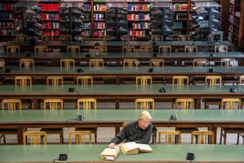 """hr2-Fotowettbewerb: """"Lieblingsorte im Literaturland Hessen"""". Eines der 30 Bilder des Publikumsvotings: Landesbibliothek Wiesbaden.  Foto: HR/Jan Bruns"""