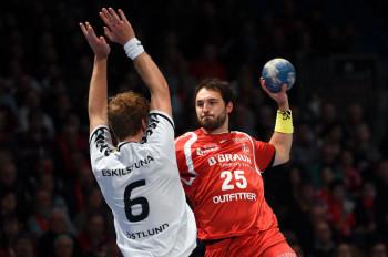 Dieses Duell könnte spielentscheidend werden – Michael Müller gegen Viktor Östlund. Foto: Heinz Hartung