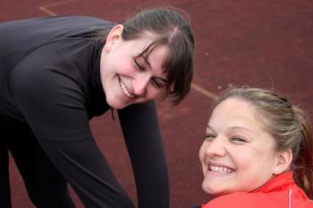 Lisa und Janina nach ihren Siegen in Borken. Foto: Alwin J. Wagner