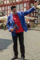 Am 1. Mai mit dem Bartenwetzer durch die Altstadt. Foto: nh