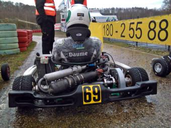Mit starkem Regen und Elektronikproblemen hatte Darwin Daume im ersten Rennen der Saison zu kämpfen. Foto: Uli Daume