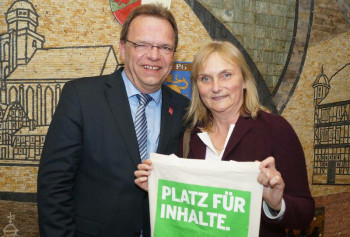 Winfried Becker und Dr. Bettina Hoffmann. Foto: nh