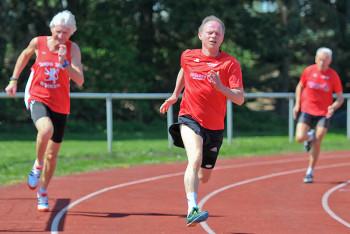 Bernd Gabel im 200m-Lauf der Senioren. Foto: nh