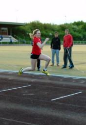 Celine Kühnert setzte sich im Dreisprung mit 10,40 m durch. Foto: nh