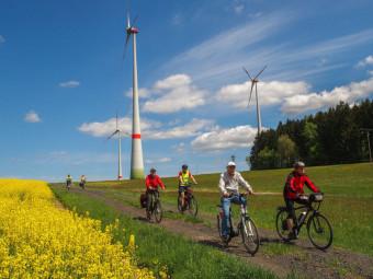 30 Radler erklommen das Hochland mit E-Bikes. Foto: nh