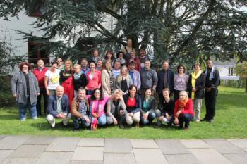 23 Erzieherinnen und Erzieher haben ihre Ausbildung an der Hephata-Akademie für soziale Berufe in Schwalmstadt-Treysa erfolgreich abgeschlossen. Foto: nh