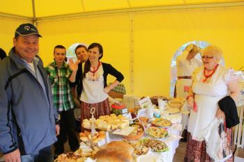 Dorfgruppe aus polnischer Partnerstadt beim Schmeckefuchs dabei. Foto: nh