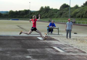 Katharina Wagner sprang aus dem kurzen Anlauf 10,34 m. Foto: nh