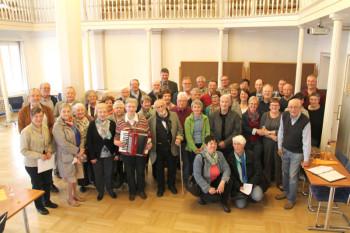 Gruppenbild nach der Ankunft der Gäste im Ziegenhainer Rathaus. Foto: nh