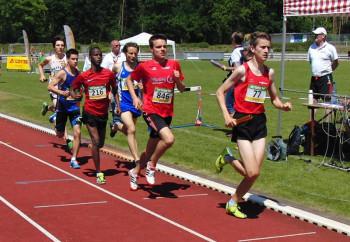 Ein glänzendes Rennen lieferte Christian Schulz, Zweiter hinter Jonas Simon (LG Frankenberg) ab. Foto: nh
