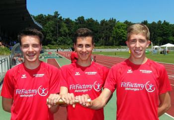 Nach ihrem unerwarteten dritten Platz hatten sie allen Grund zur Freude: Christian Schulz, Aaron Werkmeister und Lorenz Funck. Foto: nh