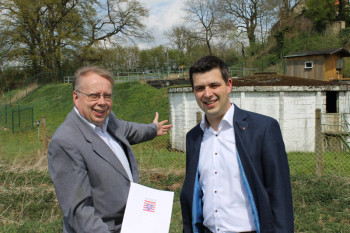 Bürgermeister Norbert Miltz und Matthias Wettlaufer. Foto: nh
