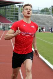 Dennis Horn konnte seine Vorjahrestitel im Sprint über 100 und 200 Meter souverän verteidigen. Foto: nh