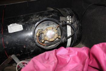 Selbstverbaute Gasanlage. Foto: Polizeipräsidium Nordhessen/obs