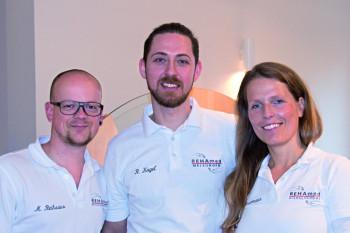 Physiotherapeuten Marcel Reihsaus und René Kagel sowie Osteopathin Anja Ziesemann. Foto: nh